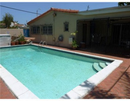 More Protos For House For Rent In Miami, FL: $1,300 / 4 Br /