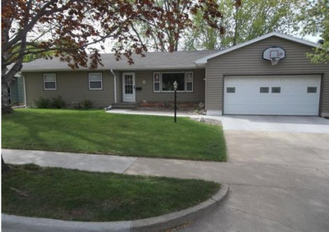 More Protos for House For Rent in Sioux Falls  SD   800   4 br. House For Rent in Sioux Falls  SD   800   4 br   2 bath  3810