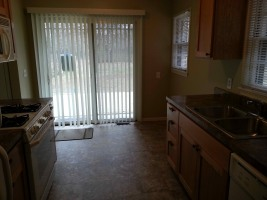 For Rent $1195/3br, 1 3/4 bath 1400sqft rambler located in Blaine near the Northtown Mall. 