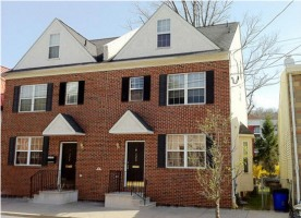 Newer 3 bed, 3.5 bath townhome in a central location- three blocks from train station, walking distance to Conshohocken restaurants & night life, in high growth area with numerous waterfront  ...